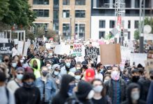 Photo of คำขวัญต่อต้านชุมชนชาวอินเดียในแคนาดาคำขวัญประท้วง