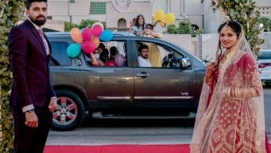 Photo of คู่สามีภรรยาชาวอินเดียจัดพิธีแต่งงาน 'หนุ่มขับรถ' เหตุโรคระบาดในสหรัฐอาหรับเอมิเรตส์ |  คู่สามีภรรยาชาวอินเดียจัดพิธีแต่งงานแบบ 'เด็กขับรถ' เนื่องจากโรคระบาดในสหรัฐอาหรับเอมิเรตส์