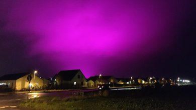 Photo of ท้องฟ้ายามค่ำคืนของชาวสวีเดนเปลี่ยนเป็นสีม่วงนี่คือเหตุผล |  ท้องฟ้าสีม่วงกลายเป็นกลางคืนในเมืองสวีเดนนี่คือเหตุผล