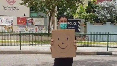 Photo of สิงคโปร์เรียกเก็บเงินโจโลแวนวาแฮมนักเคลื่อนไหวที่ถือป้ายหน้ายิ้ม |  สิงคโปร์ก้าวไปสู่การเดินขบวนอย่างสันติและเรียนรู้ความวุ่นวายในอินเดีย