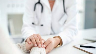 Photo of การทดสอบความบริสุทธิ์ในและการผ่าตัดซ่อมแซมเยื่อพรหมจารีอ้างในคลินิกทางการแพทย์ของสหราชอาณาจักร