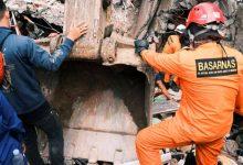 Photo of แผ่นดินไหวขนาดใหญ่ 6.2 ถล่มอินโดนีเซียจนเหลือผู้เสียชีวิต 42 คนบาดเจ็บอีกกว่า 800 คน |  อินโดนีเซีย: แผ่นดินไหวขนาดใหญ่ 6.2 ริกเตอร์เสียชีวิต 42 รายในสุลาเวสี  งานกู้ภัยอยู่ระหว่างดำเนินการ