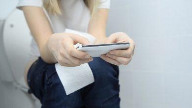 Photo of ผลข้างเคียงด้านสุขภาพจากการใช้โทรศัพท์ในห้องน้ำ |  อย่าใช้โทรศัพท์โดยไม่ได้ตั้งใจขณะนั่งส้วมมิฉะนั้นโรคนี้จะถึงแก่ชีวิตได้