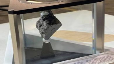 Photo of มูนร็อคในสหรัฐสำนักงานประธานโจไบเดนรู้ดีถึงความพิเศษ |  Moon Rock อยู่ในสำนักงานของประธานาธิบดีสหรัฐฯ Joe Biden ซึ่งรู้ดีถึงความพิเศษของมัน