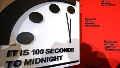 Photo of นาฬิกา Doomsday ยังคงใกล้ถึงเที่ยงคืนอย่างเป็นอันตราย |  Doomsday Clock: โลกใกล้จะถูกทำลาย!  'นาฬิกาหายนะ' ให้สัญญาณอันตราย
