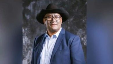 Photo of ส.ส. Rawiri Waititi ถูกไล่ออกจากรัฐสภานิวซีแลนด์เพราะปฏิเสธที่จะสวมเน็คไท |  นิวซีแลนด์: ส.ส. เผ่า Rawiri Waititi ไม่ได้สวม Tie เขาจึงถูกไล่ออกจากรัฐสภา