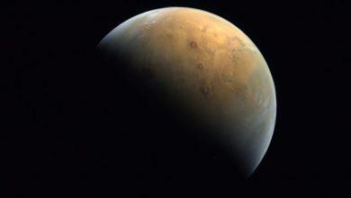 Photo of Emirates Mars Mission UAE's Hope Mars เข้าสู่ Mars Orbit ส่งรูปดาวอังคารสวย ๆ |  Emirates Mars Mission: HOPE สร้างประวัติศาสตร์ด้วยการส่งภาพแรกของดาวอังคารแสงแดดจากด้านหนึ่งและดาวเคราะห์สีแดงที่สวยงามในเงาอีกด้านหนึ่ง