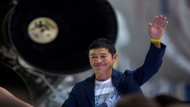 Photo of Yusaku Maezawa มหาเศรษฐีของญี่ปุ่นเชิญชวนผู้คนมาร่วมงานกับเขาบนดวงจันทร์ฟรี |  Trip To Moon: ถ้าคุณมีความฝันที่จะไปดวงจันทร์!  ตอนนี้จะเสร็จสมบูรณ์ฟรีเรียนรู้วิธีการสมัคร