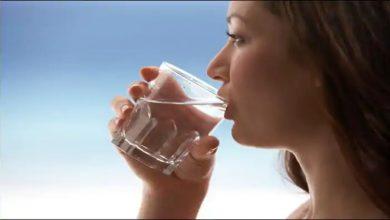 Photo of ตามอายุรเวทนี่เป็นเวลาที่เหมาะสมและวิธีที่ถูกต้องในการดื่มน้ำ |  เคล็ดลับในการดื่มน้ำ: เรียนรู้วิธีดื่มน้ำที่ถูกต้องและเวลาที่เหมาะสมคืออะไร