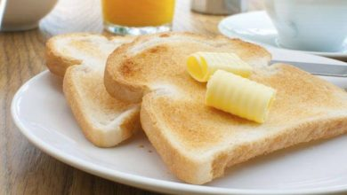 Photo of ห้าผลข้างเคียงของการกินขนมปังทุกวัน |  มีผลข้างเคียงมากมายจากการกินขนมปังในอาหารเช้าทุกวันน้ำตาลในเลือดจะเพิ่มขึ้นตามน้ำหนัก