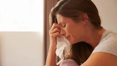Photo of ภาวะซึมเศร้าหลังคลอดที่ผู้หญิงรู้สึกหลังคลอดลูกคืออะไร |  ภาวะซึมเศร้าหลังคลอด: แม่อาจพบการฆ่าตัวตายหลังคลอด!  รู้จักโรคชนิดนี้