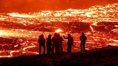 Photo of ภูเขาไฟไอซ์แลนด์กลายเป็นแหล่งท่องเที่ยวที่สมบูรณ์แบบการปะทุ Viral News |  ภูเขาไฟกลายเป็น 'จุดท่องเที่ยวที่สมบูรณ์แบบ' รัฐบาลของไอซ์แลนด์ไม่พอใจกับฝูงชนที่เพิ่มมากขึ้น
