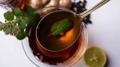 Photo of ประโยชน์ของยาต้ม Tulsi tulsi kadha ke ปฏิสัมพันธ์ในภาษาฮินดี brmp    ประโยชน์ของยาต้ม Tulsi: ดื่มยาต้มขมิ้น – โหระพาในฤดูมรสุมโรคจะไม่มารอบ ๆ รู้คุณประโยชน์